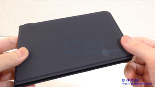 iClever Bluetoothキーボード IC-BK06折りたたんだ状態