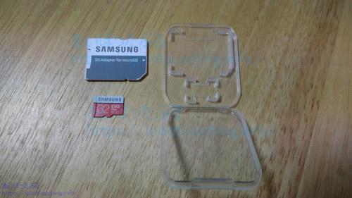 マイクロSDカード32GBとSDカードアダプター、サムスンMB-MC32GA